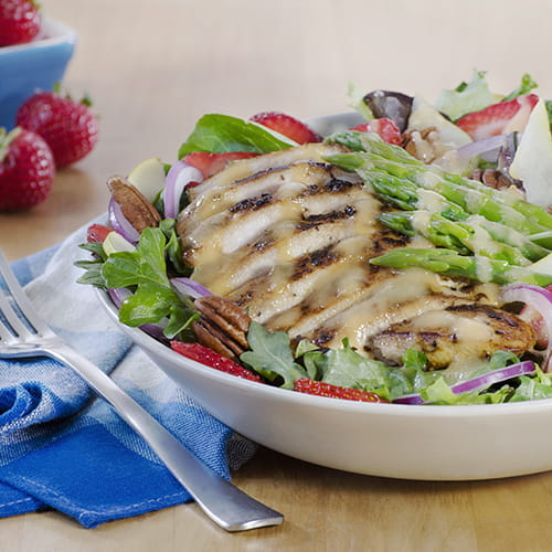 Summer Salad w Chicken, Strawberry & Asparagus