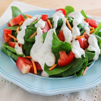 Creamy Garlic and Pepper Salad Dressing