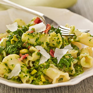 Kale Bacon and Pistachio Pasta