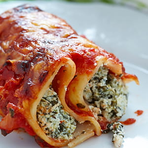 Roasted Garlic and Pepper Spinach Cannelloni